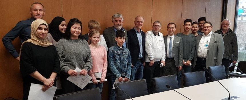 Spannende Debatten zu einer noch spannenderen Tagesordnung beim Landtagsbesuch der Sportkreisjugend Calw